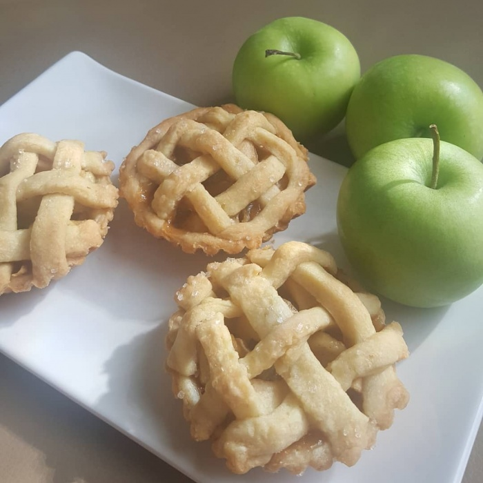 Tasty Muffin Tin Recipes Mini apple pie