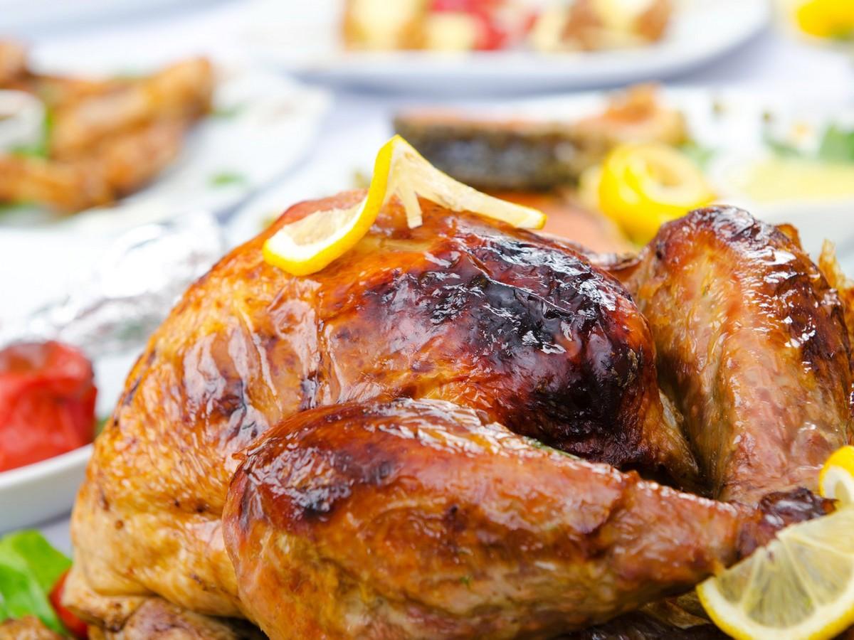 Lemon-Garlic Roast Turkey with White-Wine Gravy