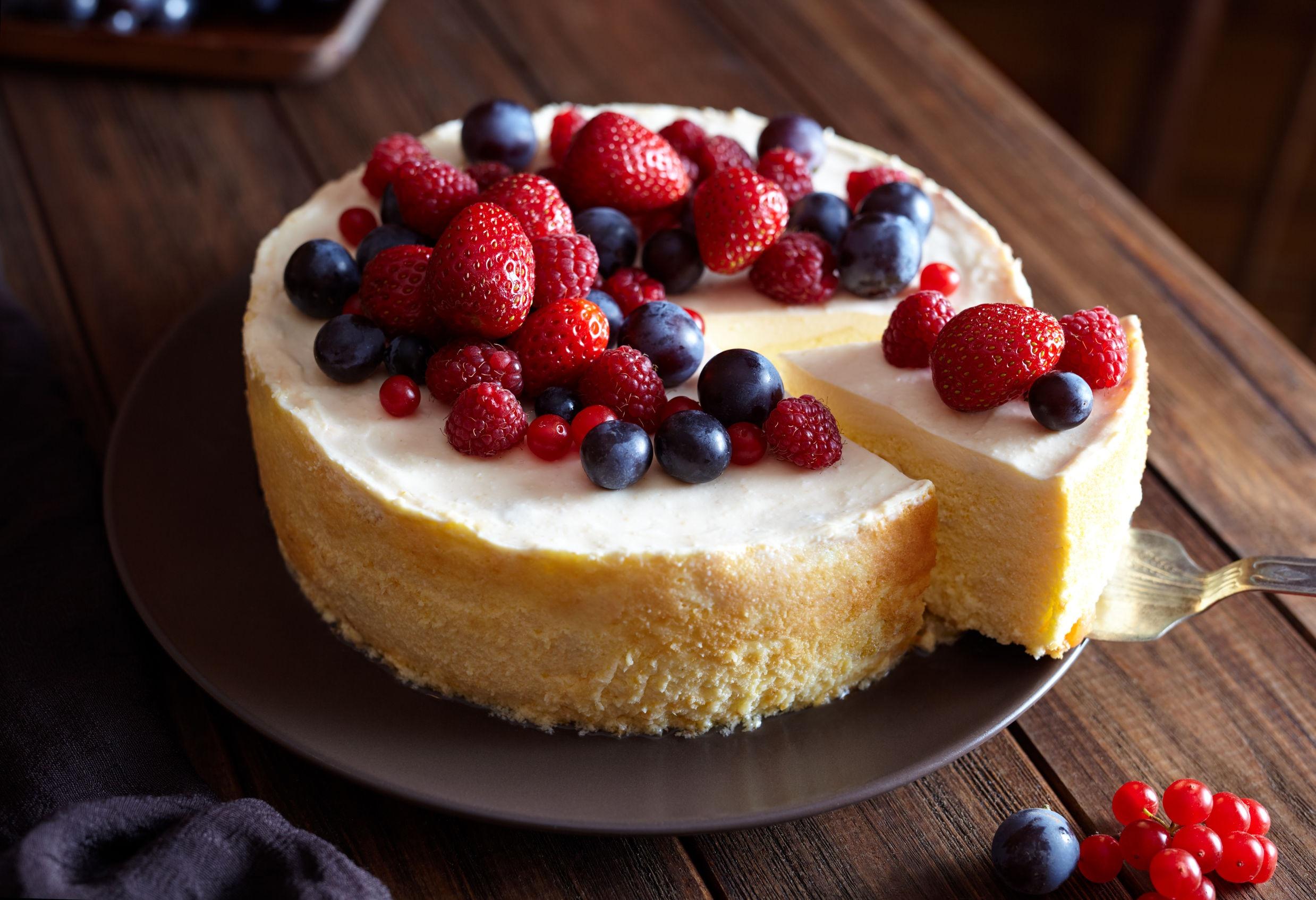 10 Delicious Summer Cheesecake Recipes