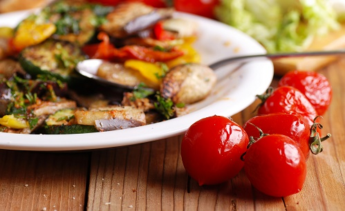 Grilled tomato salad
