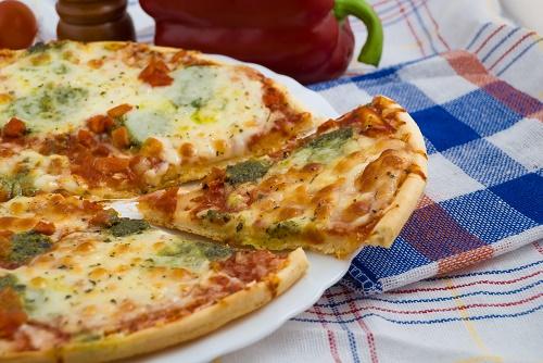 Mediterranean Pesto Pizza