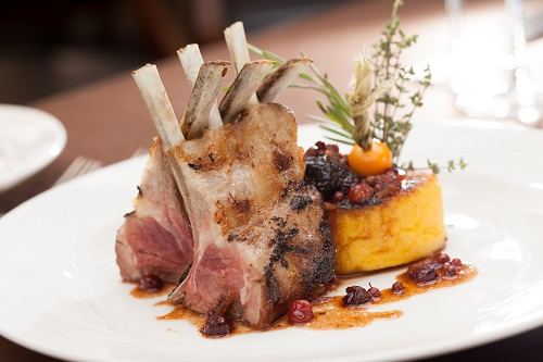 Roast lamb with apricot