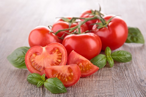 Sweet and sour tomato salad