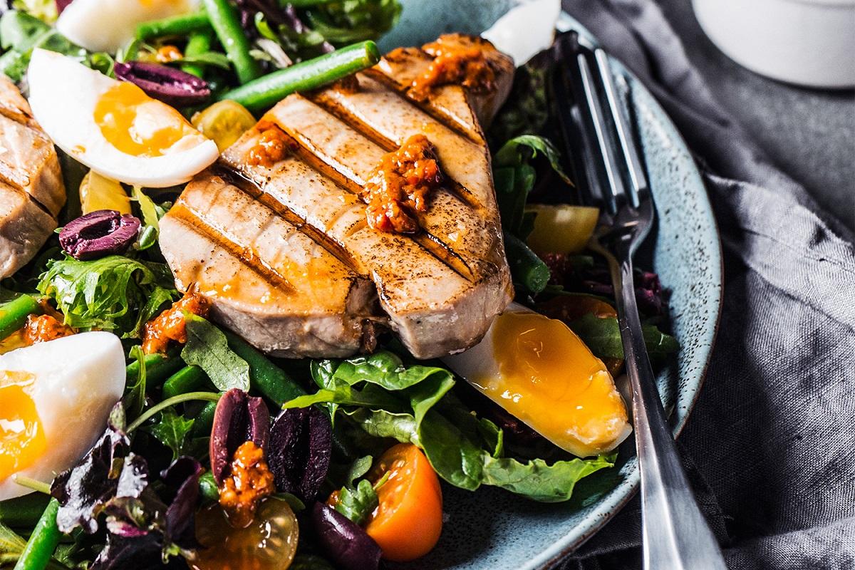 Tropical Grilled Tuna Salad
