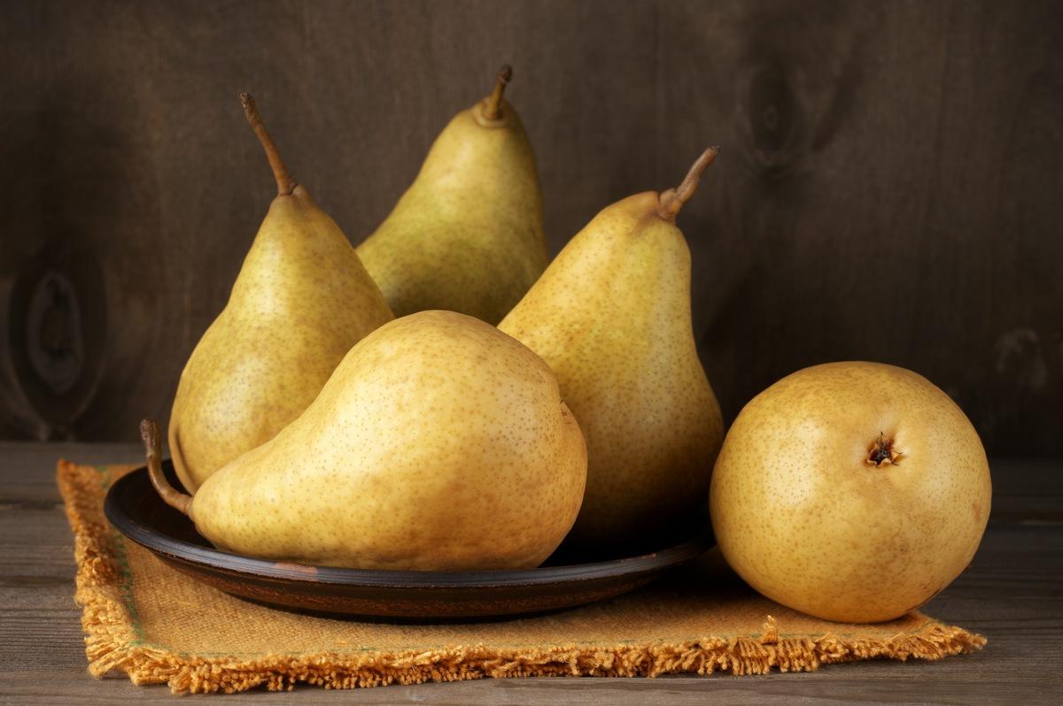 Pear: The Powerful Fruit You Should Be Eating More