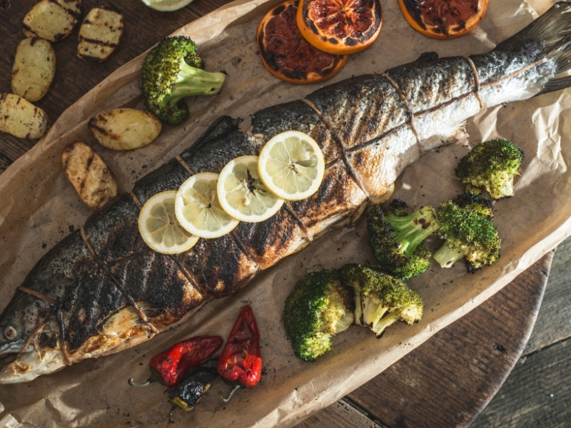 How to Cook a Whole Salmon (2 Recipes)