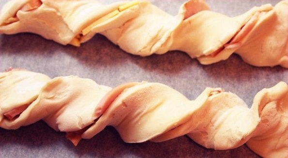 Cheese Puff Pastry Braids