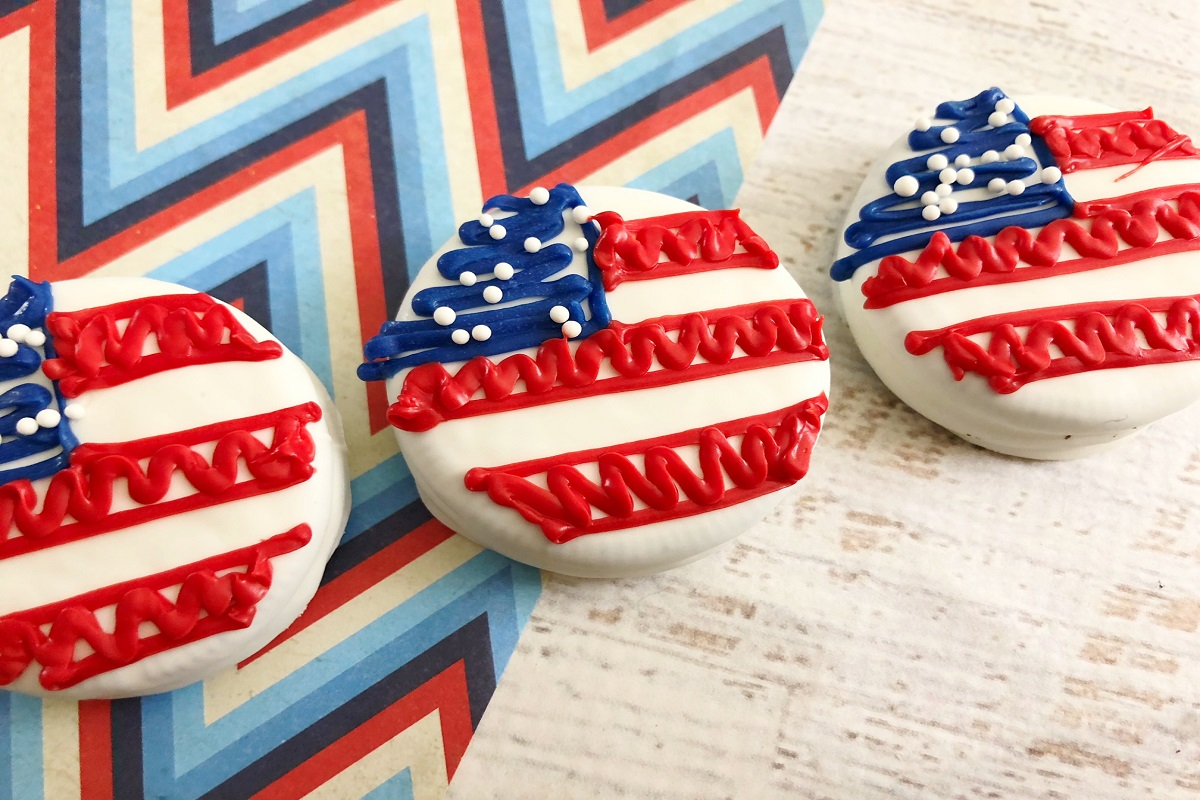 Fourth of July Dipped Oreo Flags