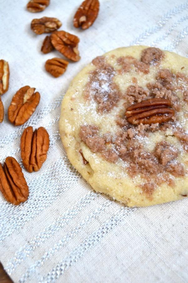 cinnamon crumb pecan sandie