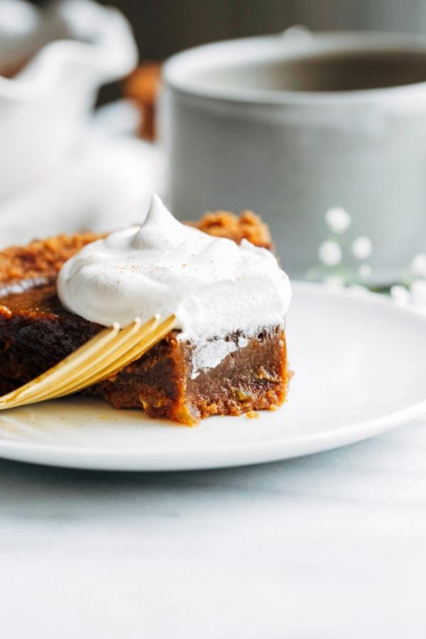 vegan pumpkin gingerbread pie