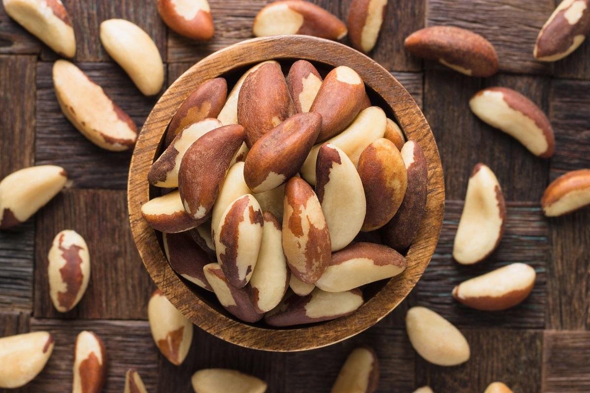 6 Bountiful Benefits of Brazil Nuts