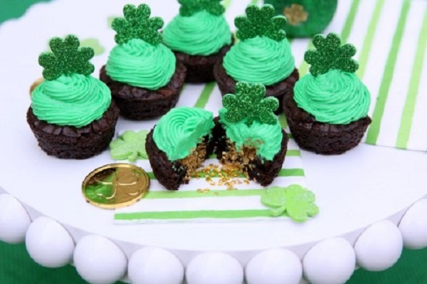 Hidden Pot of Gold Brownie Cups