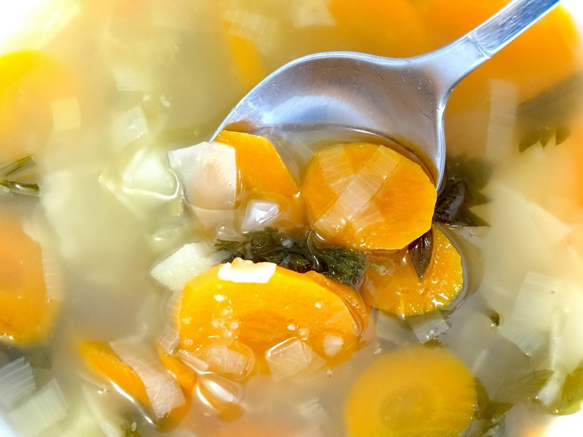 Simple Oil-Free Vegetable Broth