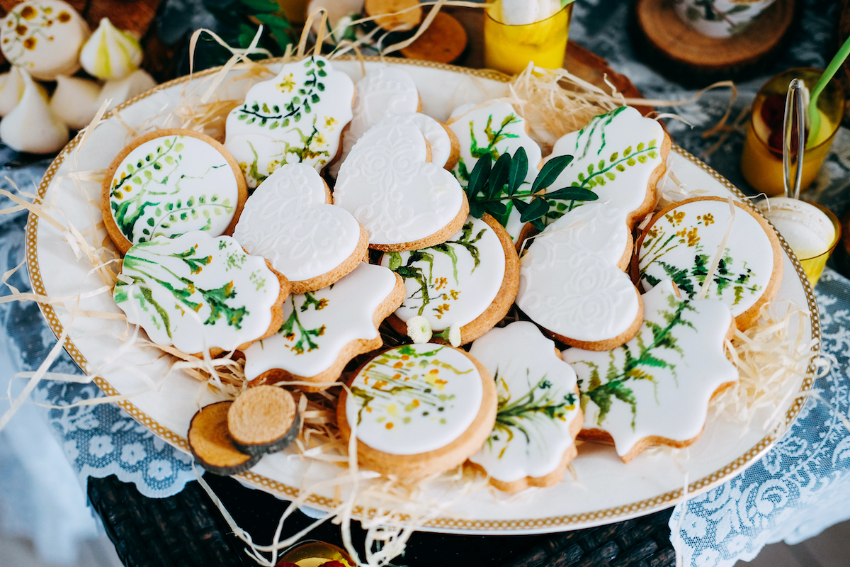 10 Absolutely New Ways to Decorate Your Cookies