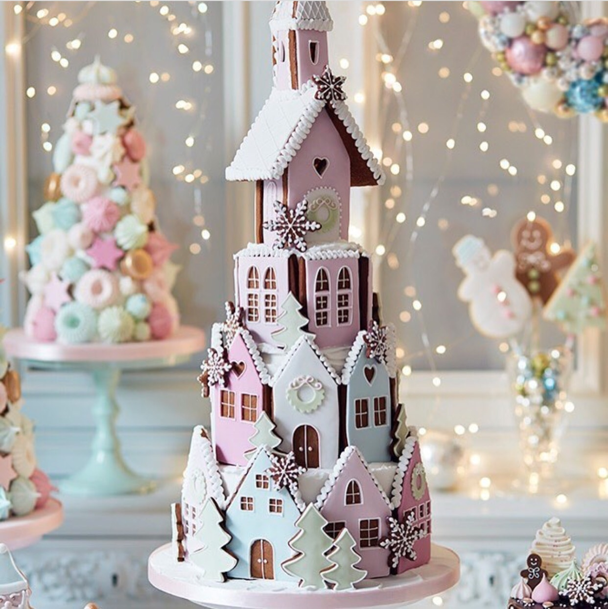 10 Awesome Gingerbread House Ideas