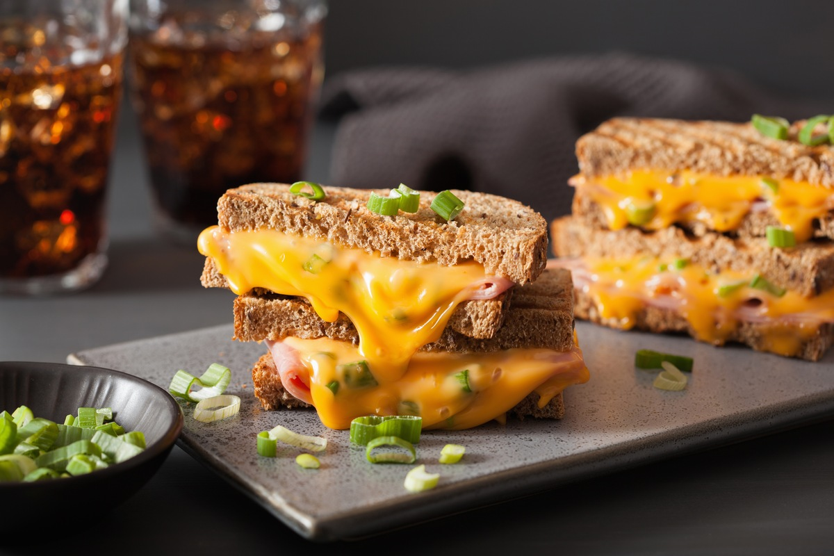 10 Awesome Grilled Cheese Sandwiches