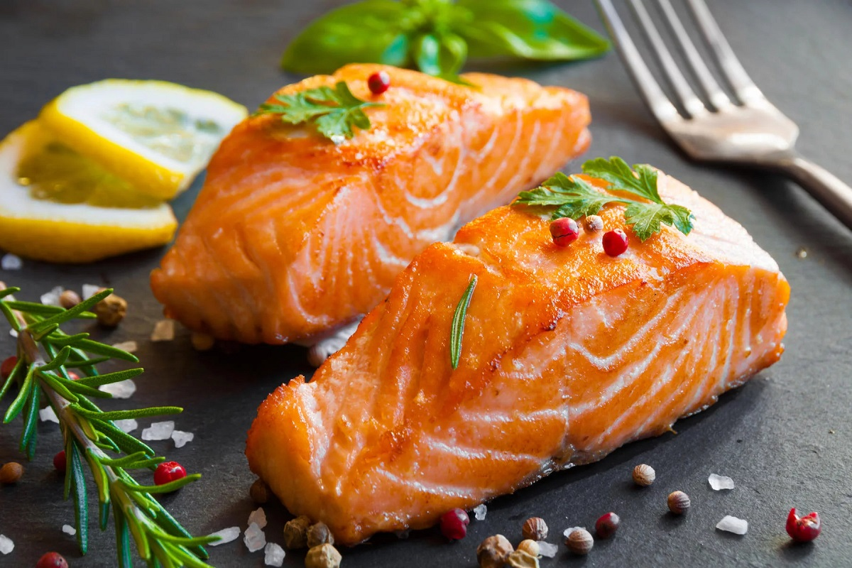 8 Healthy Reasons Why You Should Eat More Fish