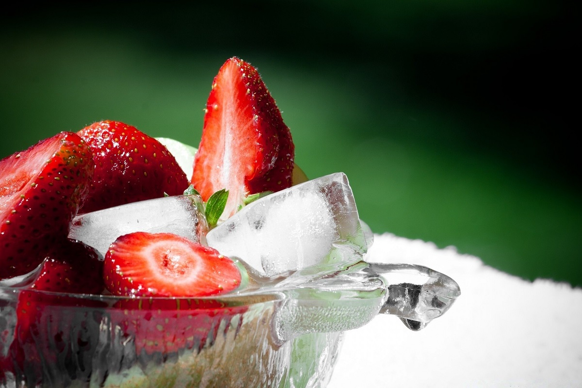 Strawberry ice cubes