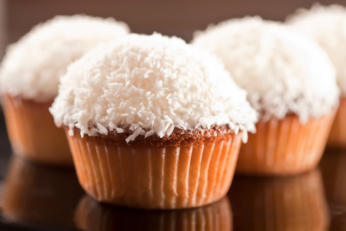 Recipe for Coconut Cupcakes with Cream Cheese Frosting