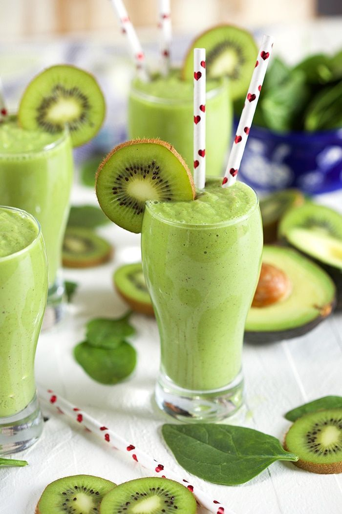 Kiwi Pineapple Spinach Smoothie