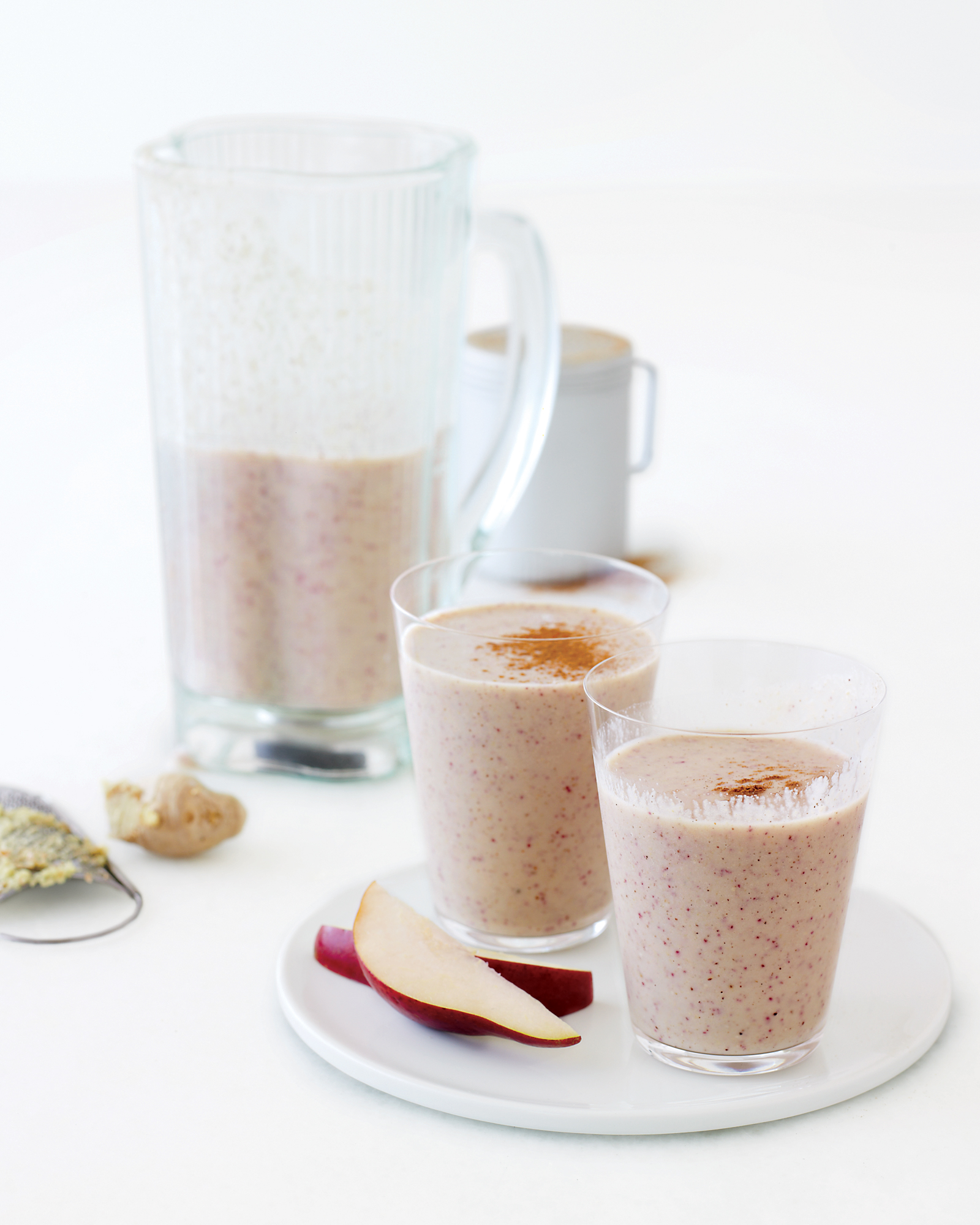 Pear Ginger Cinnamon Oatmeal Smoothie