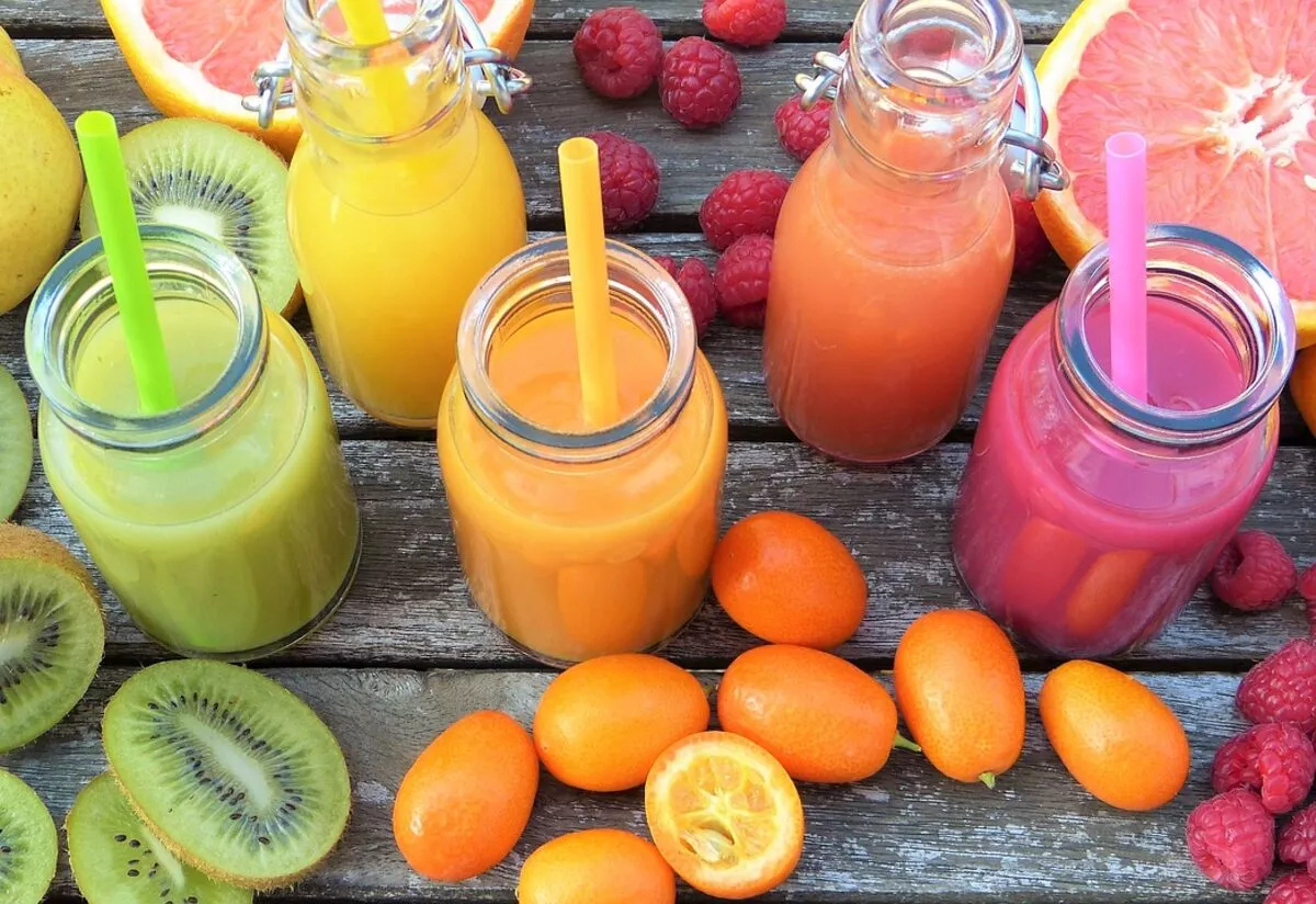 19 Juicing Infographics for Summer