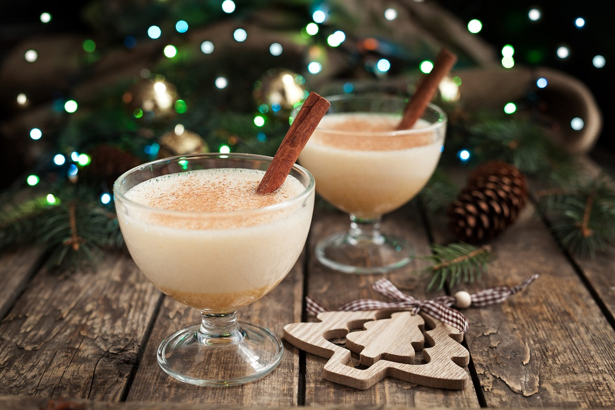 Christmas Cocktail Recipes for the Holidays (16 Infographics)