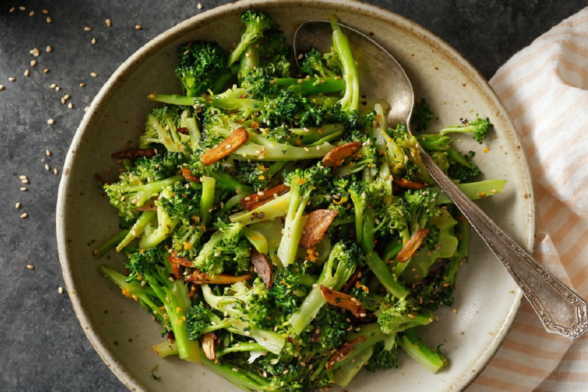 Broccoli: Health Benefits and How to Prepare (18 Infographics)