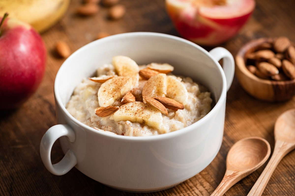 Oats and Oatmeal: Benefits, Recipes, Toppings (17 Infographics)