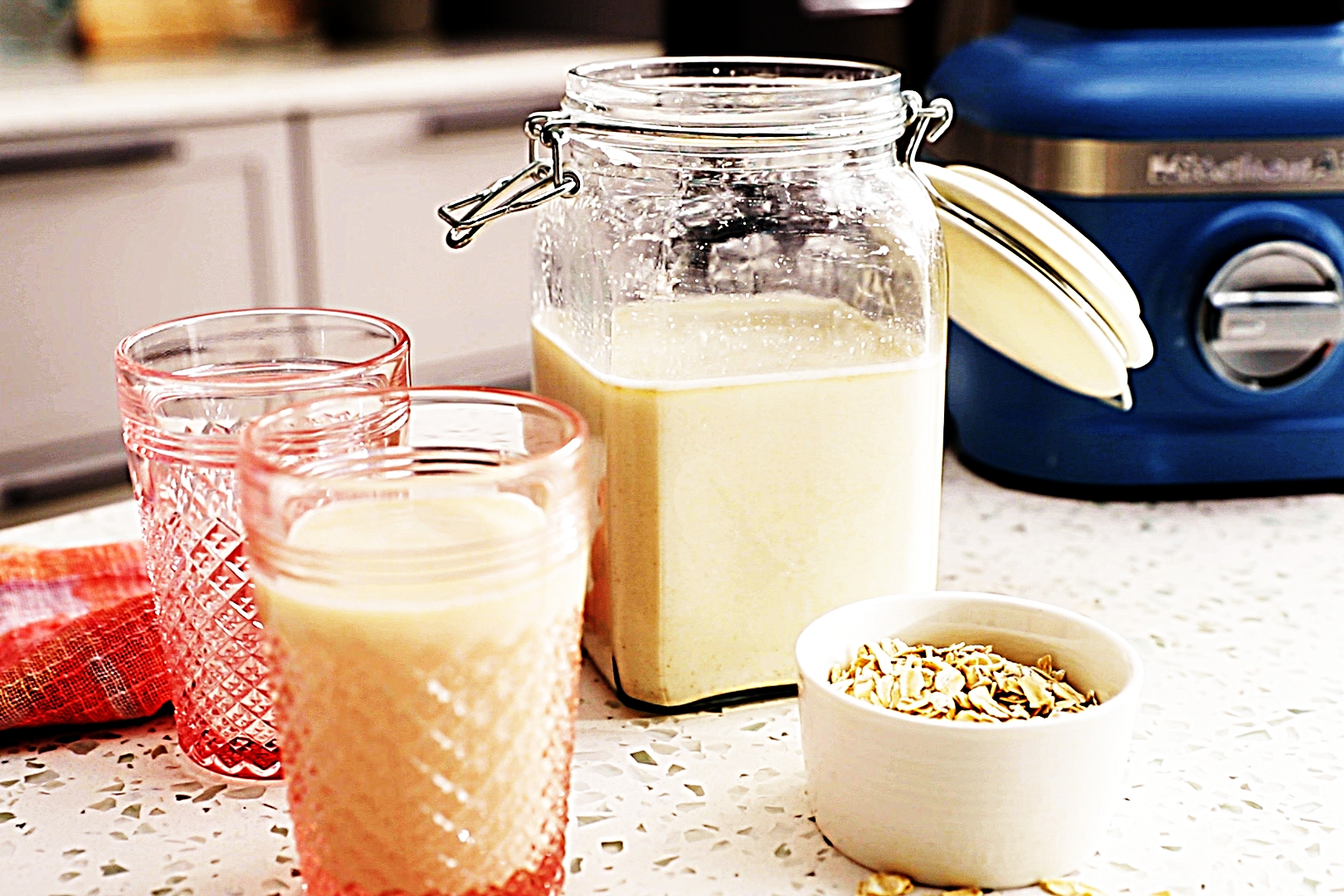 Stupid-Easy Recipe for Extra-Creamy Oat Milk (#1 Top-Rated)