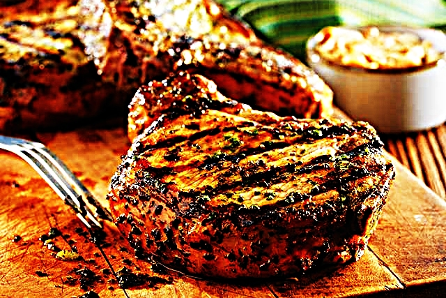 Stupid-Easy Recipe for Grilled Pork Chops with Basil-Garlic Rub (#1 Top-Rated)