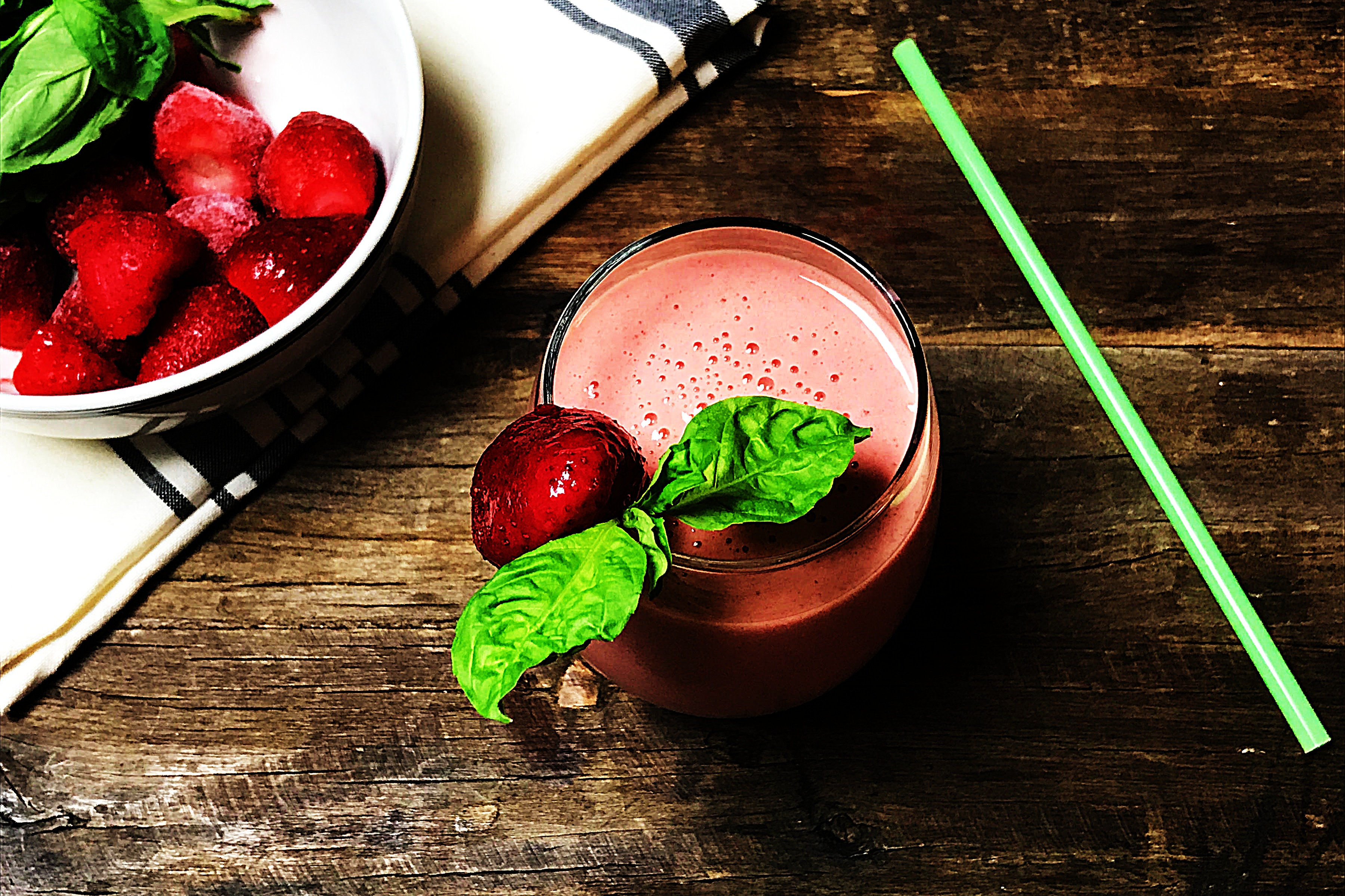 Stupid-Easy Recipe for Strawberry-Basil Kefir Smoothie (#1 Top-Rated)
