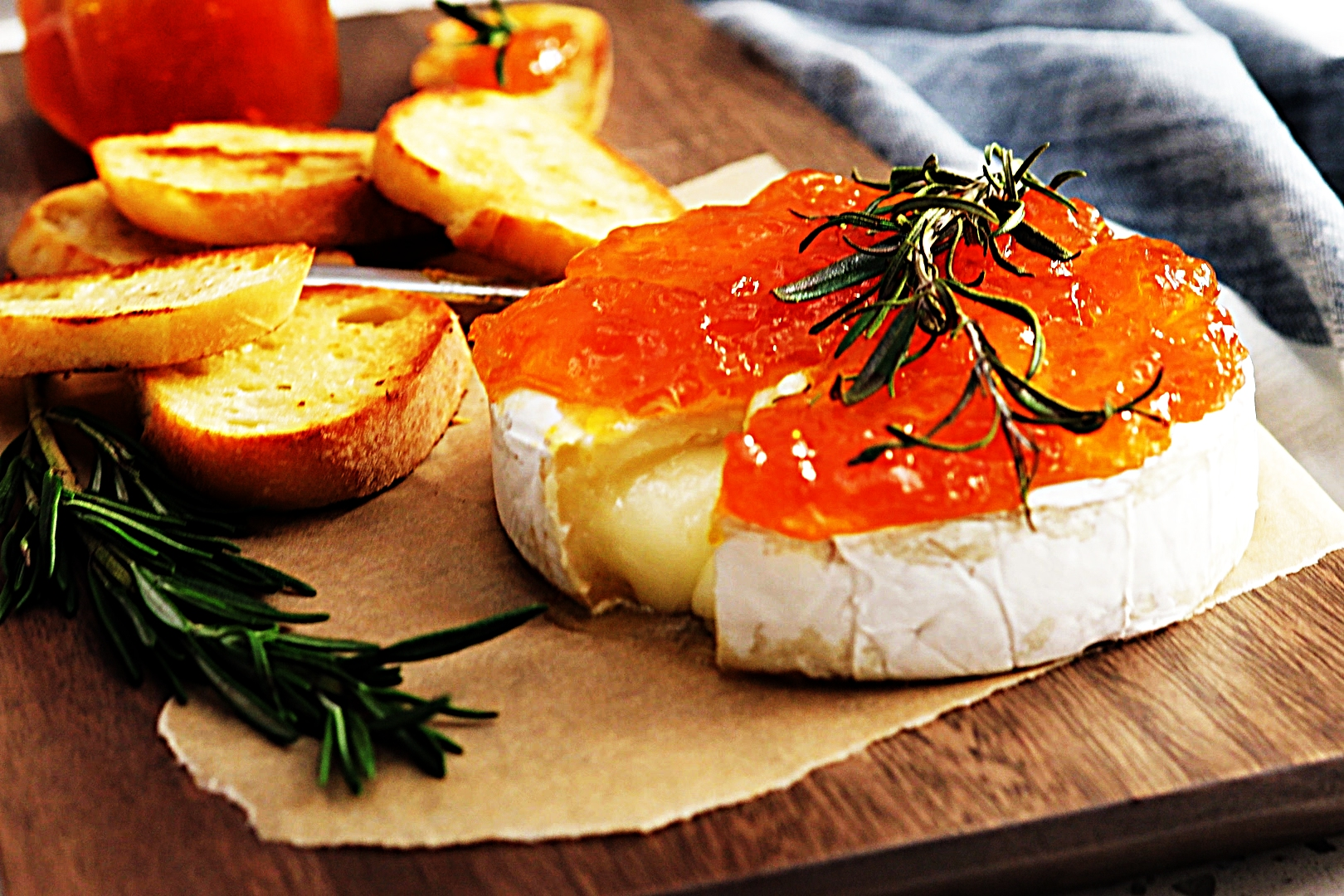 Stupid-Easy Recipe for Baked Brie with Apricot Preserves (#1 Top-Rated)