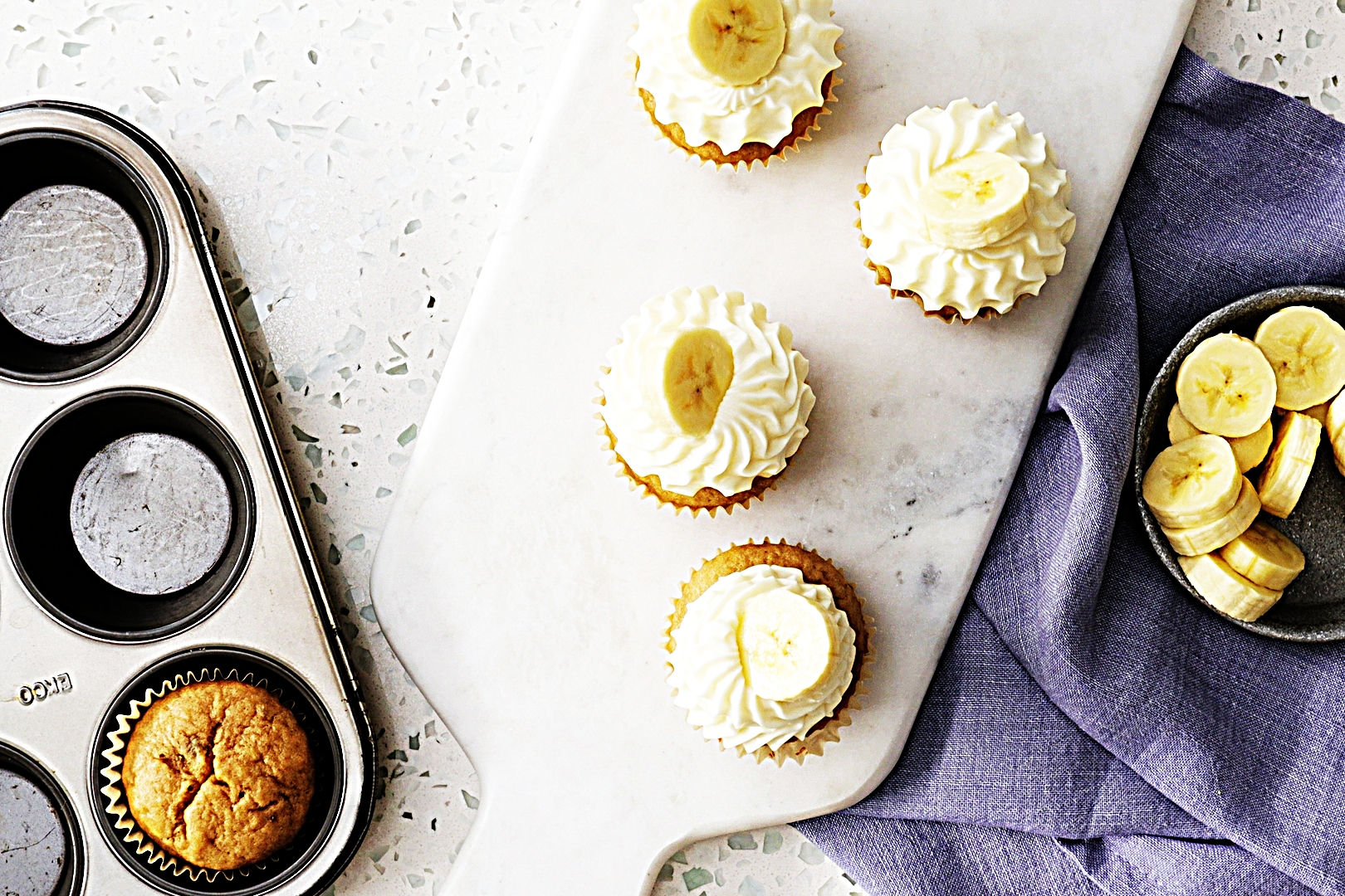 Stupid-Easy Recipe for Banana Cupcakes with Cream Cheese Frosting (#1 Top-Rated)