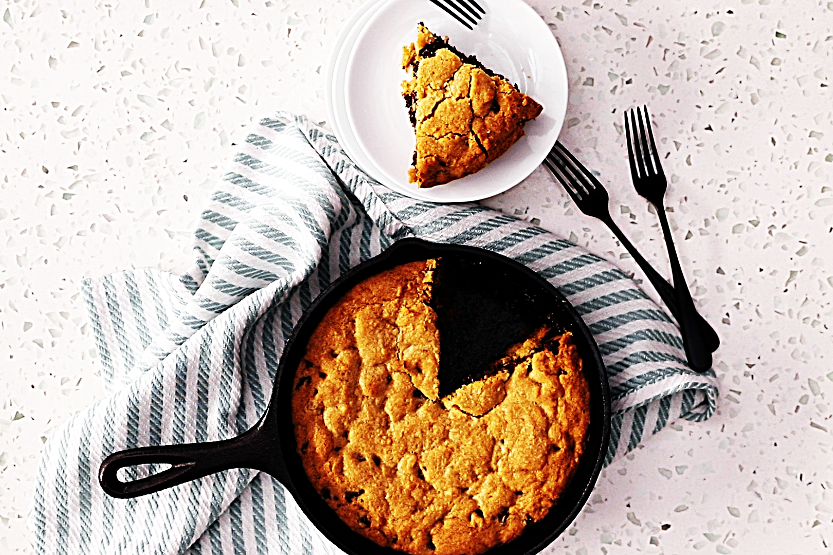 Stupid-Easy Recipe for Chocolate Chip Skillet Cookie (#1 Top-Rated)