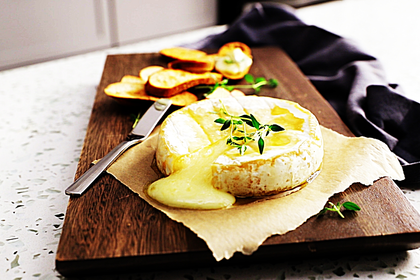 Stupid-Easy Recipe for Easy Baked Brie (#1 Top-Rated)