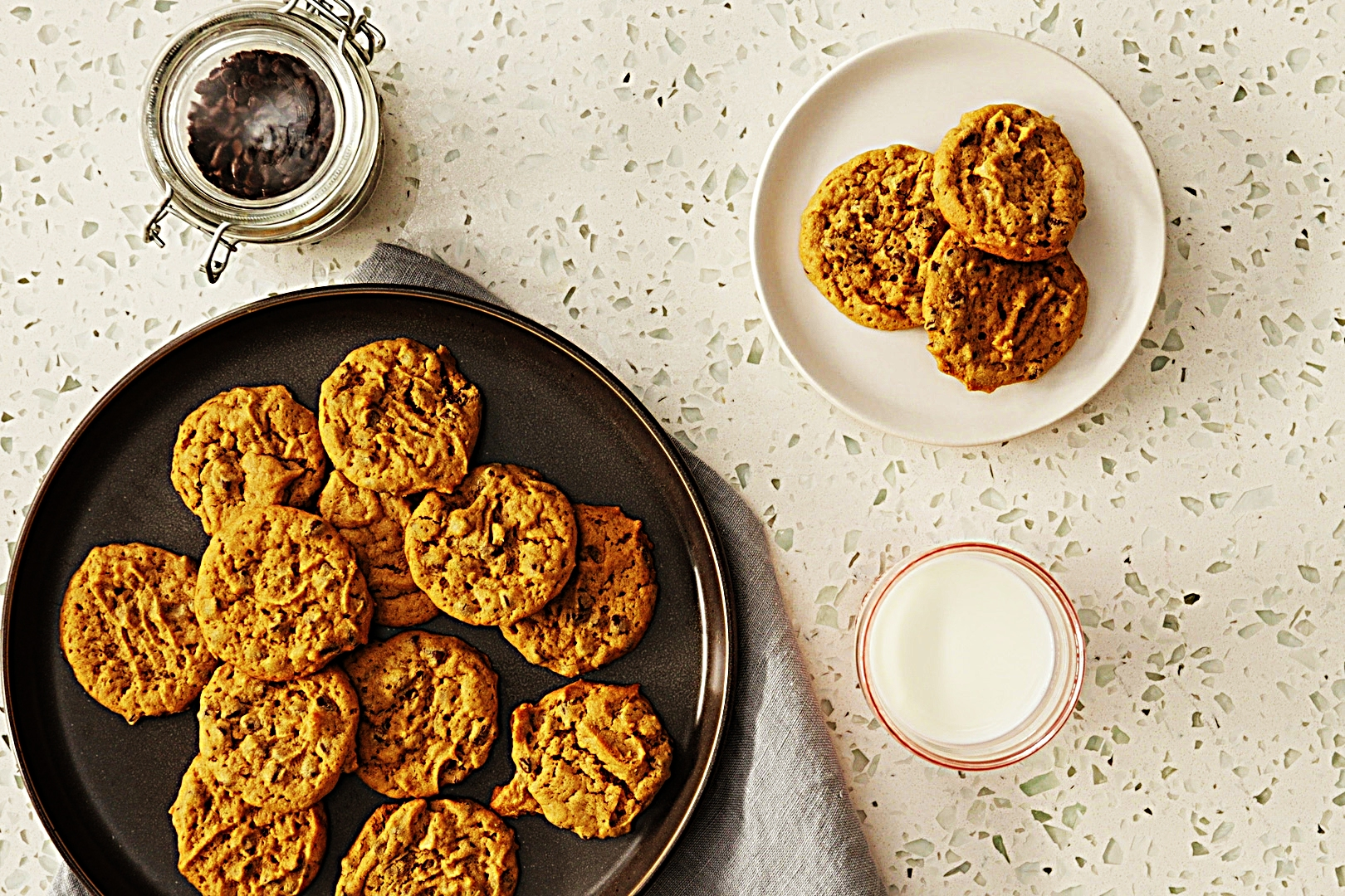 Stupid-Easy Recipe for Flourless Peanut Butter Chocolate Chip Cookies (#1 Top-Rated)