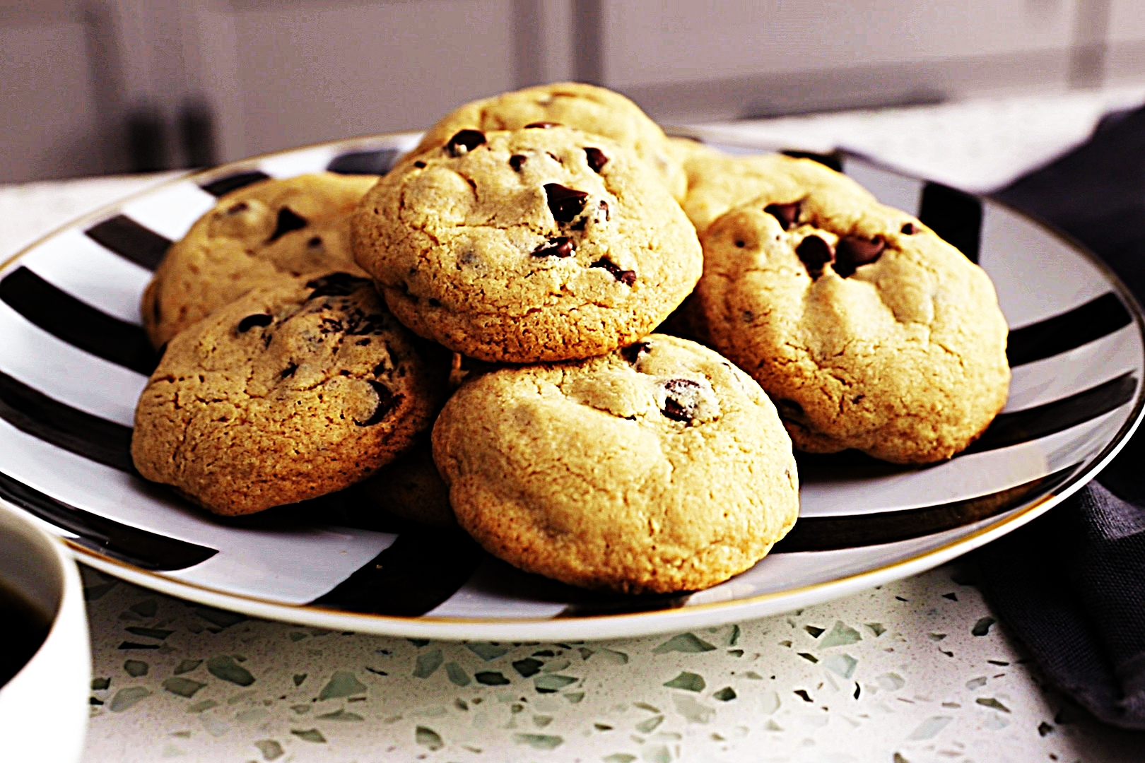 Stupid-Easy Recipe for Gluten-Free Chocolate Chip Cookies (#1 Top-Rated)