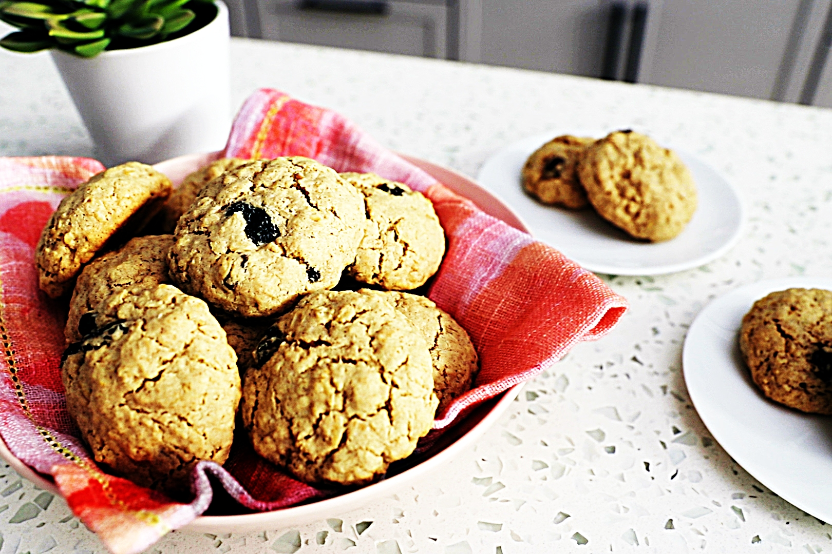 Stupid-Easy Recipe for Gluten-Free Oatmeal Raisin Cookies (#1 Top-Rated)