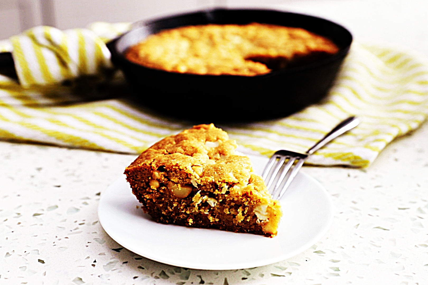Stupid-Easy Recipe for White Chocolate Macadamia Skillet Cookie (#1 Top-Rated)